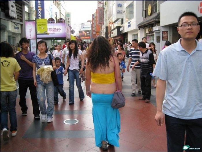 Красивая китайская девушка (2 фото)