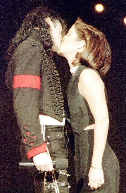 Умер Майкл Джексон (29 фото)