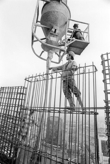 Как в Китае строят высотки (23 фото)