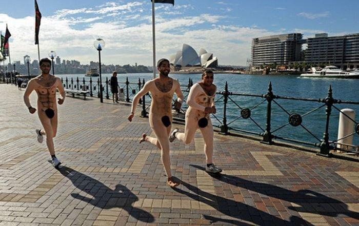 Необычные костюмы для бега (6 фото)