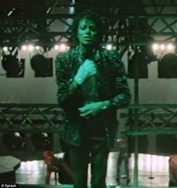 Опубликовано уникальное видео с Майклом Джексоном (12 фото + видео)