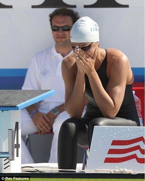 Упс на соревнованиях по плаванию (4 фото)
