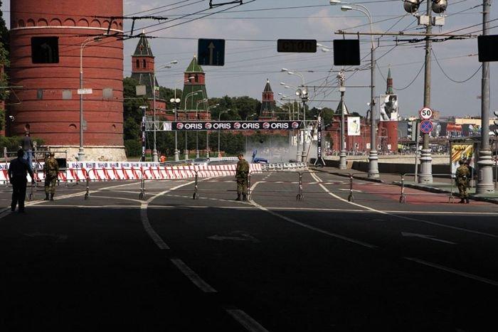 В Москве разбили коллекционный Бугатти (8 фото)