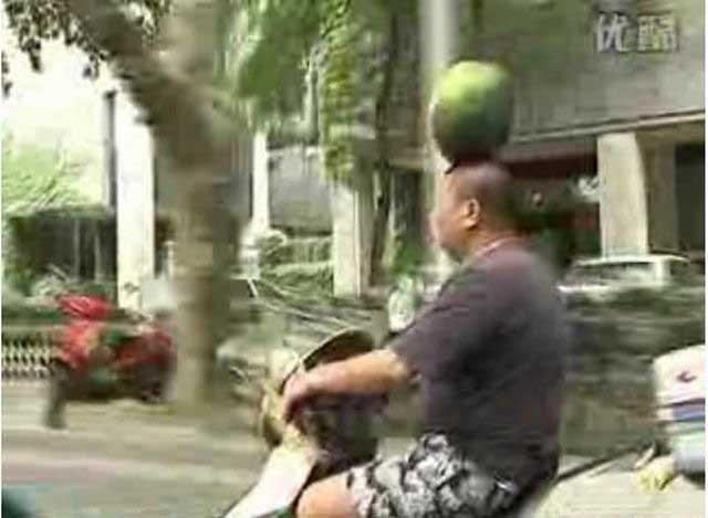 Балансировка арбузом (3 фото + видео)