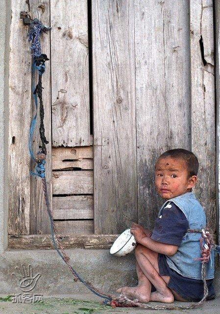 Бедные китайские дети (6 фото)