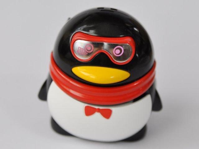 Необычный пингвин (3 фото)