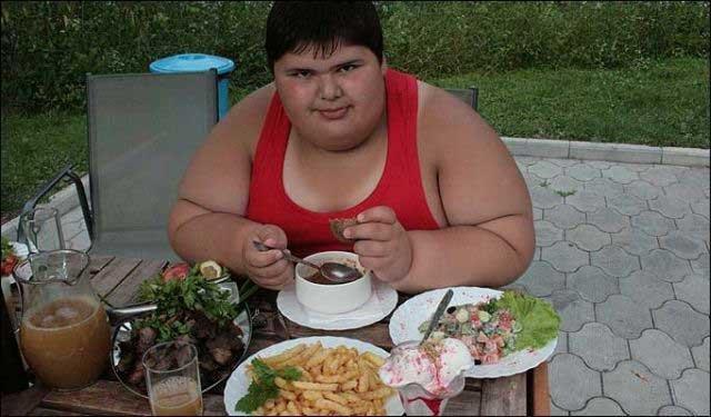Толстый мальчик (7 фото + видео)
