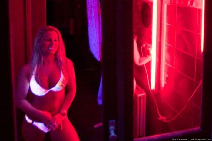 Квартал красных фонарей в Амстердаме (23 фото)