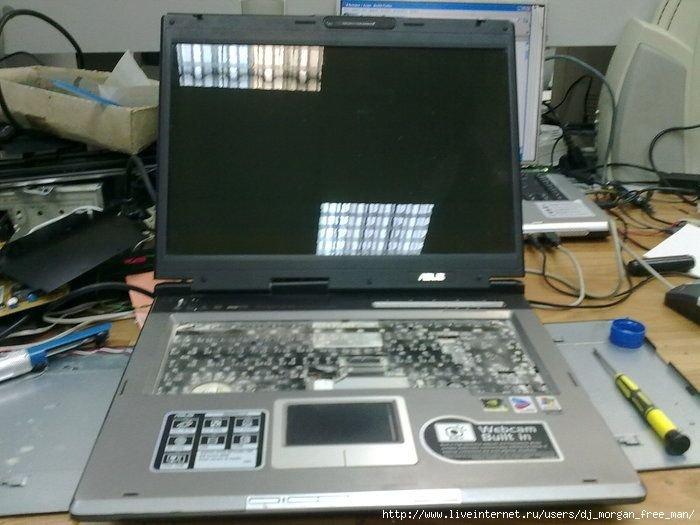 Ноутбук в цементе (10 фото)
