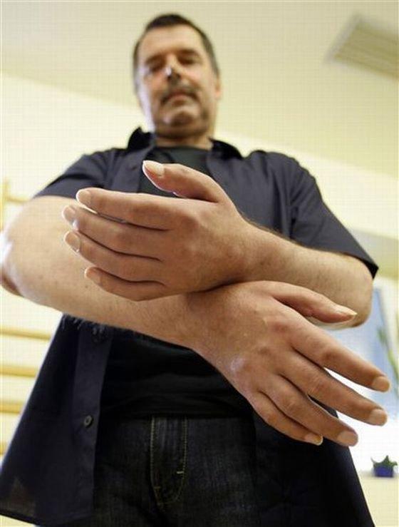 С чужими руками (12 фото)