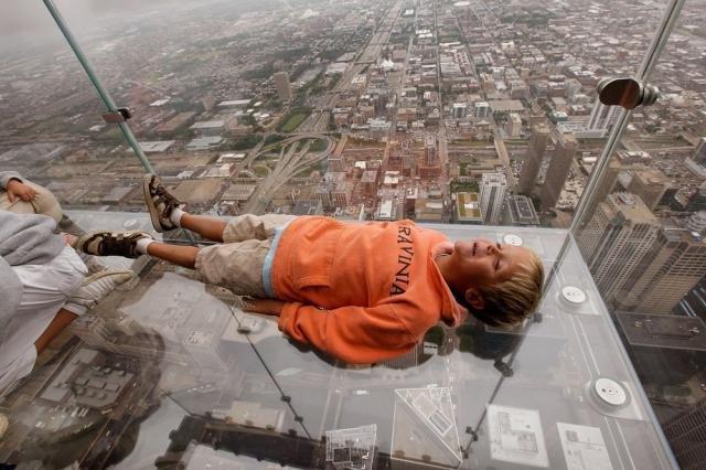 Смотровая площадка на высоте 412 метров (6 фото)