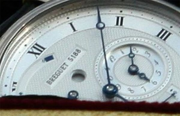 У Патриарха Кирилла крутые часы (4 фото)