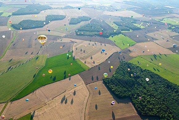 Фестиваль воздушных шаров во Франции (19 фото)