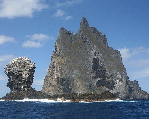 Остров-гора (8 фото)