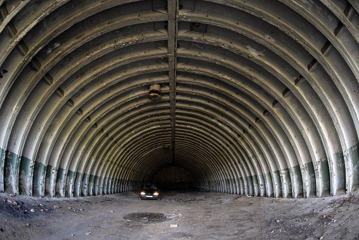 Путешествие по затопленной ядерной шахте (20 фото)