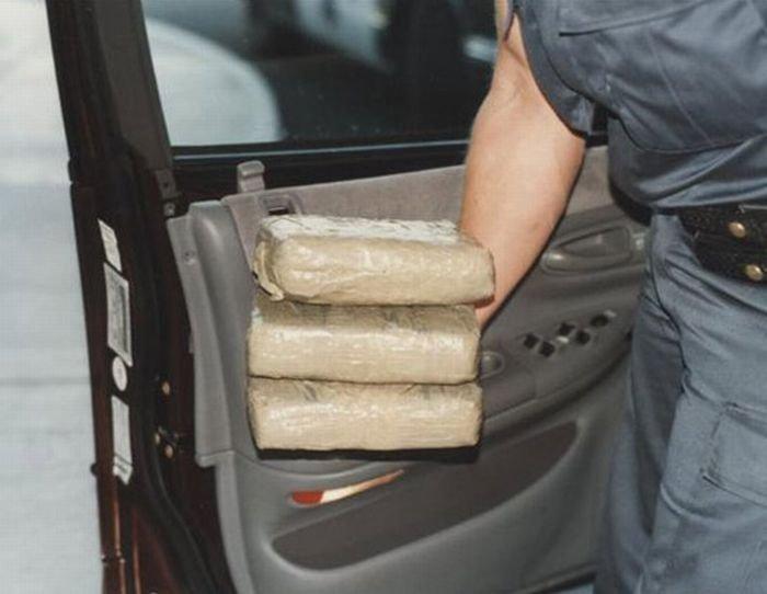 Как прячут кокаин в США (14 фото)