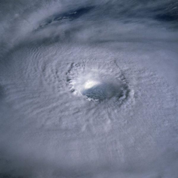 Ураганы. Вид сверху (20 фото)