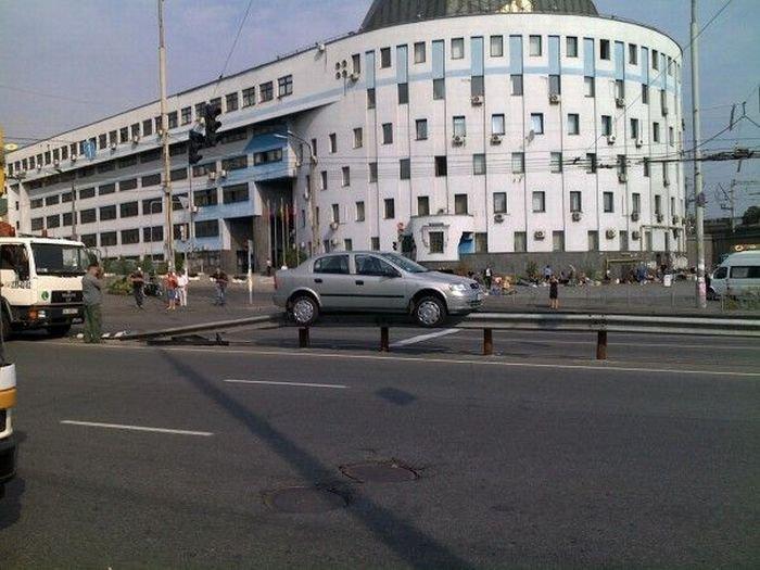 Парковка дня (3 фото)