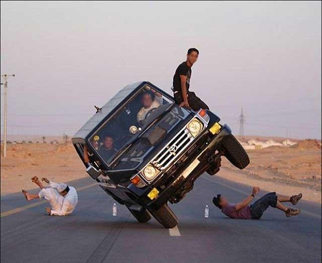 Автомобильный трюк (14 фото)