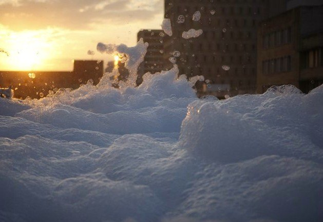 Город в пене (54 фото)