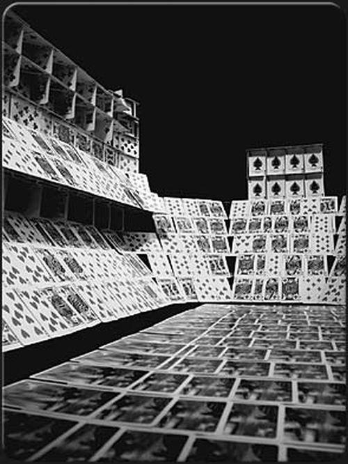 Карточные дома (17 фото)