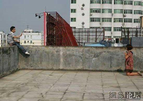 Попытка самоубийства (10 фото)