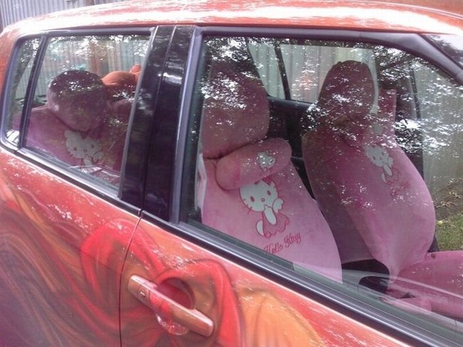 Автомобиль фаната Hello Kitty (8 фото)