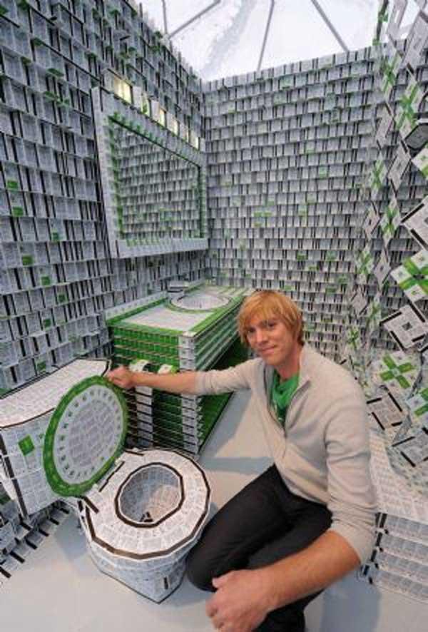 Гостиница из пластиковых карт (12 фото)