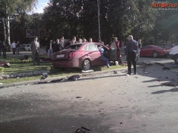 ДТП с суперкаром в Москве (5 фото)