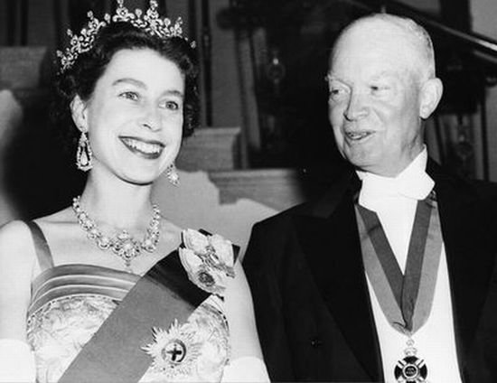 Королева и президенты США (11 фото)