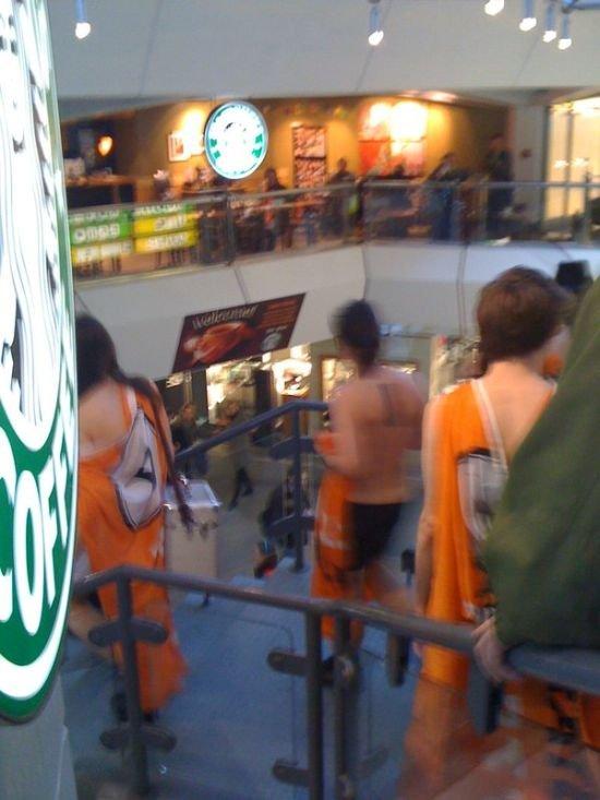 Протест без одежды (34 фото)