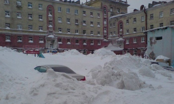 Снегопад в Норильске (6 фото)