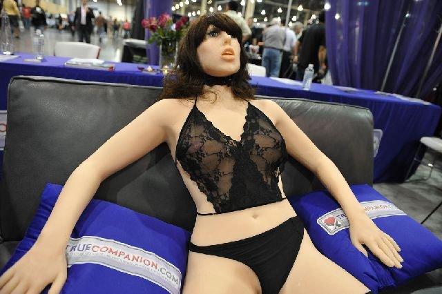 Первый в мире секс-робот (9 фото + текст)