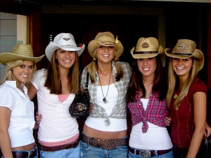 Сексуальные девушки в ковбойских шляпах (56 фото)