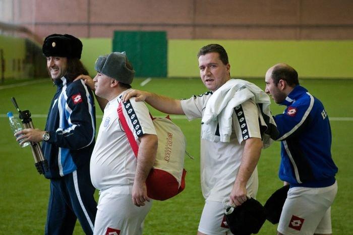 Слепые играют в футбол (26 фото)