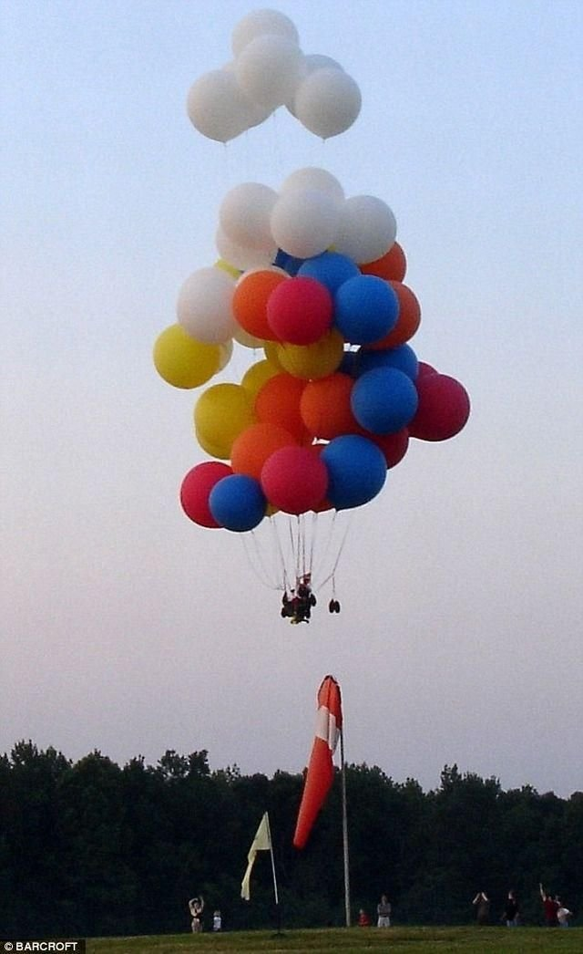 В небо на офисном кресле (5 фото)