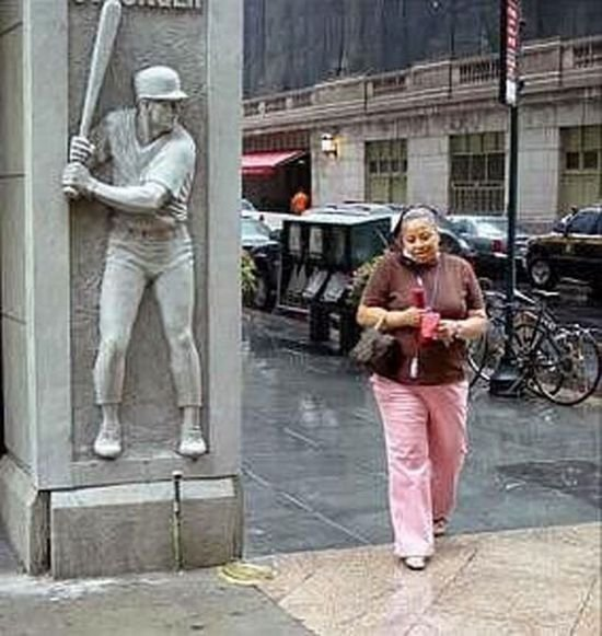 Странные скульптуры (52 фото)