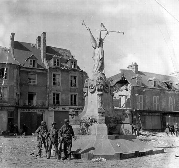 Нормандия. Во время войны и сейчас (20 фото)