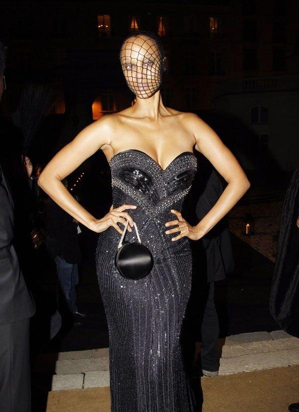 Tyra Banks в вуали (6 фото)