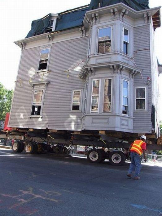 Перевозка дома целиком (26 фото)