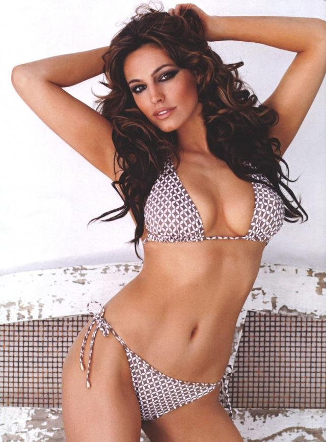 Kelly Brook � FHM ��������� �� ������ (6 ����)