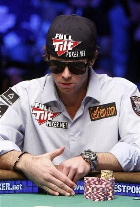 8,94 миллиона долларов в покер (14 фото)