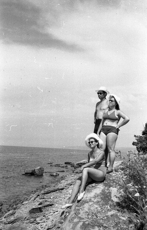 Отдых на Черном море в 1955 году (16 фото)