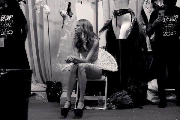 �� �������� Victoria's Secret (17 ����)