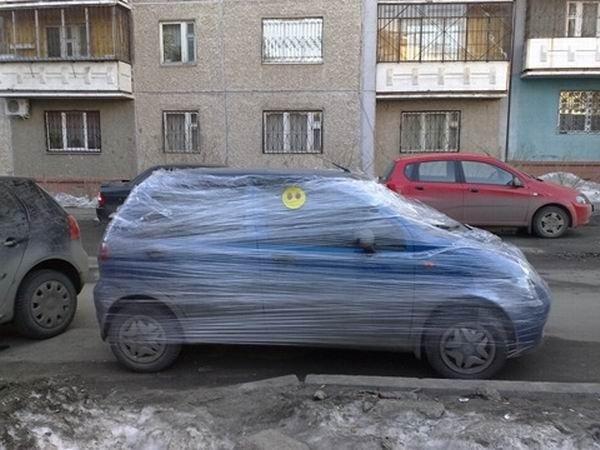 Запакованный автомобиль (3 фото)