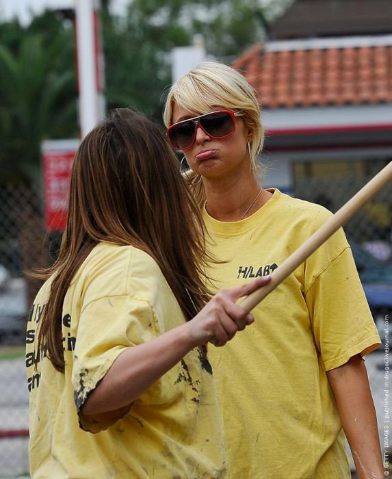 Пэрис Хилтон на общественных работах (8 фото)