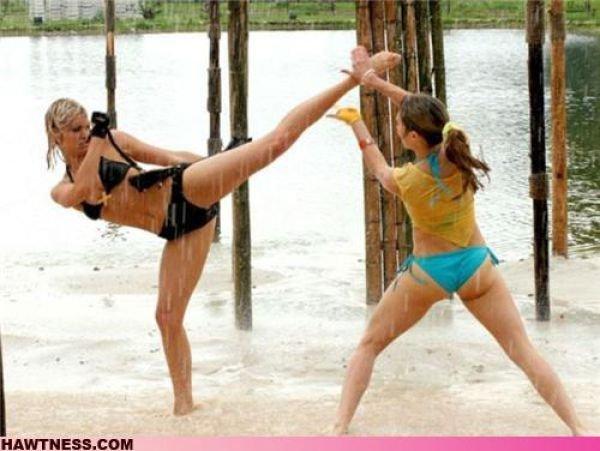 Девушки, занимающиеся всякой ерундой (38 фото)