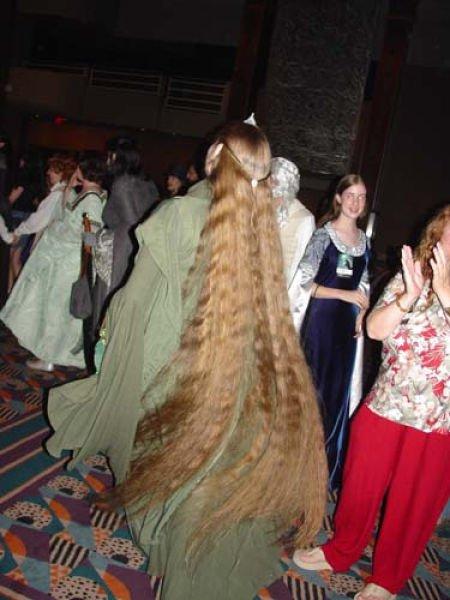 Девушки с очень длинными волосами (91 фото)