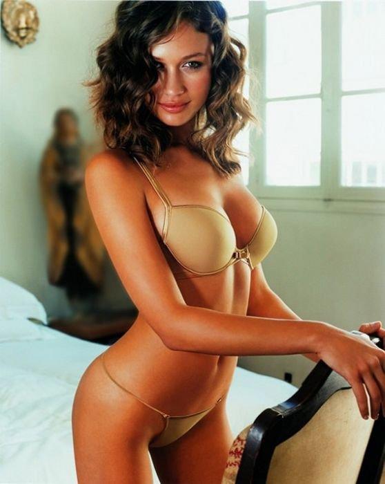 Самые красивые модели Victoria Secret (25 фото)
