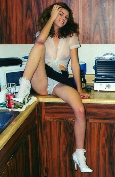 Девушки на кухне (39 фото)